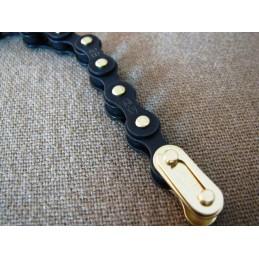 IZUMI Jet Black chain Black